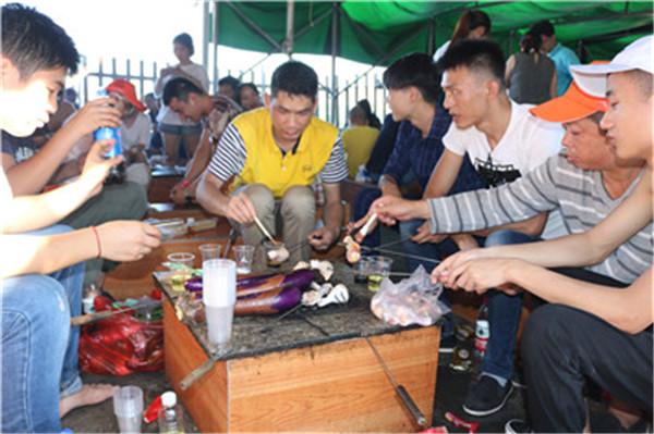 公司员工团建烧烤活动策划-增强团队凝聚